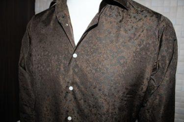 ブラウンのジャガード生地で仕立てたオーダーシャツ
