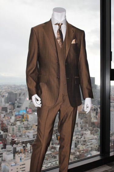誰にもマネできないスーツでカッコイイスタイルをしたいならヴィンテージ生地オーダー