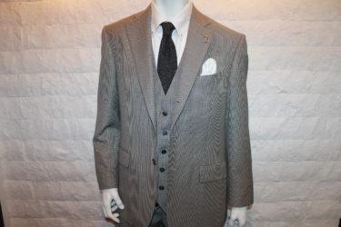 体型別スーツの着こなしのコツ【肥満体】
